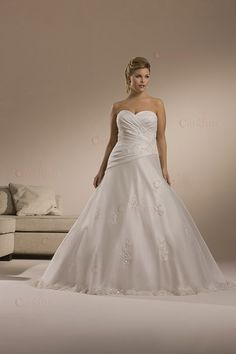 sweetheart wrinkle designer strapless embroider plus size A-line satin gowns for chubby bridal at wholesale price
