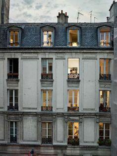 Ritratti rubati dalle finestre: Parigi secondo Gail Halbert Halaban - Repubblica.it Mobile