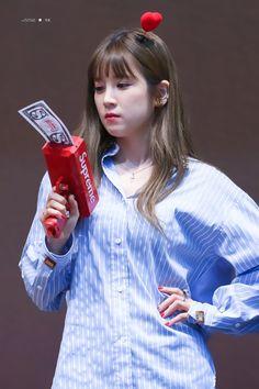 Park Chorong Apink❤180707 South Korean Girls, Korean Girl Groups, Panda Eyes, Pink Panda, Eun Ji, Kawaii, Chubby Cheeks, Cube Entertainment, Kpop Girls