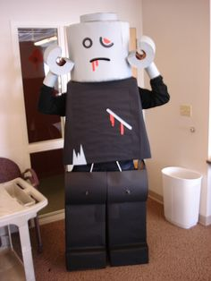 Lego Costume 01, this one is a zombie Lego man