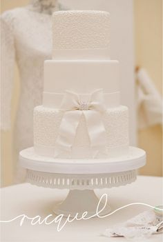 Have you been looking at white wedding cakes? These elegant lace, and floral wedding cake designs are bound to tempt you Luxury Wedding Cake, White Wedding Cakes, Beautiful Wedding Cakes, Beautiful Cakes, Dream Wedding, Wedding Cake Images, Wedding Cake Designs, Star Wedding, Floral Wedding