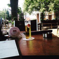#Pulheim. Statt lange in der Sonne warten, erfrisch ich mich im #KÖLSCH-Biergarten ;-)