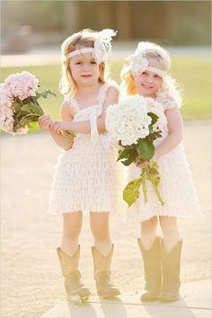 ideas de la boda rústico - muchachas de la flor de la vendimia en el arranque