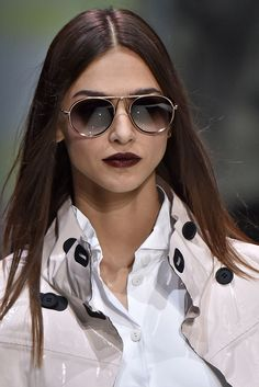 Óculos de sol  os modelos mais bacanas das passarelas de Milão 32c93452a4