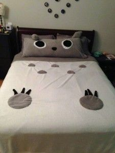 Totoro bed - maybe incorporate bedding into the design of bed?