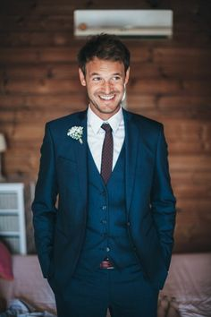 7d35a07e57d Nothing like a navy three piece suit for the big day   photographe Reego    + sur withalovelikethat.