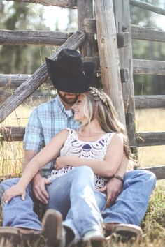 Engagement photos. Country, rustic, cowboy, beautiful. courtneytaylorMorrow photography.