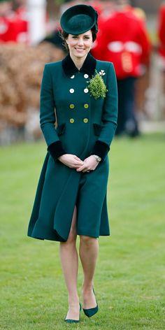 March 17, 2017 Kate Middleton 2017, Estilo Kate Middleton, Kate Middleton Prince William, Princesa Kate, Kate And Pippa, St Patricks Day Parade, Catherine Walker, Estilo Real, Expensive Clothes
