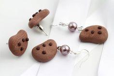 La que ama el chocolate, lo lleva a donde quiera… ¿no creen? #Chocolate #Cookie #Idea #DIY #Arete #Accesorios #Fashion #Hersheys