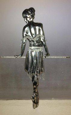 Ballet dancer on bar Pewter Art, Pewter Metal, Aluminum Foil Crafts, Metal Worx, Tin Can Crafts, Metal Embossing, 3d Wall Art, Stone Art, Picture Wall