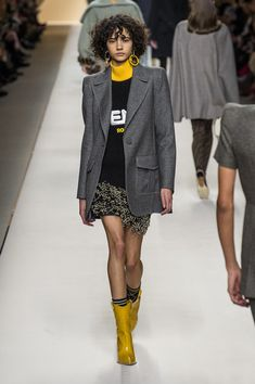 Fendi at Milan Fashion Week Fall 2018 - Runway Photos