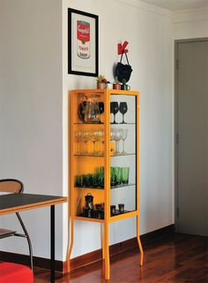 12 Contemporary Display Cabinets that Suit any Type of Interior Design Shelf Furniture, Painted Furniture, Furniture Design, Vintage Apartment Decor, Interior Decorating, Interior Design, Dining Room Design, Bars For Home, Home Decor Inspiration