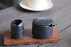 Tea cup and tea leaves holder