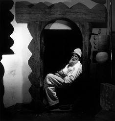 14 Constantin Brancusi, Paris, photo by Wayne Miller Wayne Miller, Constantin Brancusi, Jean Arp, Action Painting, Man Ray, Art Graphique, Magnum Photos, Creative Portraits, Marcel Duchamp