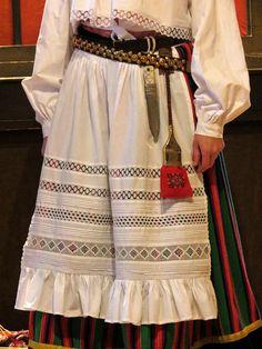 Island Hiiumaa, Reigi(?), West Estonia.  Rahvarõivakooli lõpetajad -  photo by Priit Halberg - pitsimeister, via Flickr. www.flickr.com/...Tallinn 2012 by pitsimeister, via Flickr