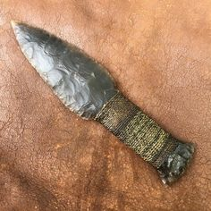 Flint Knapping Experience June 2020 - Will Lord of the Stone Age Indian Artifacts, Native American Artifacts, Flint Knives, Obsidian Knife, Stone Age Tools, Hand Axe, Flint Knapping, Primitive Technology, Primitive Survival