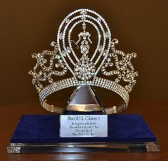Special Collection - Harold L Glasser Miss Universe Crown Royal Tiaras, Royal Jewels, Tiaras And Crowns, Pageant Tips, Beauty Pageant, Miss Universe Crown, Gothic Crown, Pageant Crowns, Miss Usa