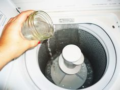 Add white vinegar to your laundry for these unexpected benefits. This common kitchen ingredient is the perfect eco-friendly cleaner. Diy Cleaning Products, Cleaning Solutions, Cleaning Hacks, Fall Cleaning, Vinegar In Laundry, Laundry Detergent, Eco Friendly Cleaners, Clean Your Washing Machine, Washing Machines