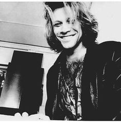 Jon Bon Jovi, Snapchat, Bon Jovi Always, Shaggy Long Hair, A Night To Remember, 90s Hairstyles, Because I Love You, Wattpad, Most Beautiful Man