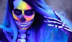 Here's the entire tutorial for Desi Perkin's Neon & Blacklight makeup.
