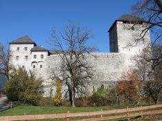 """Um castelo na Áustria na """"Kaprun""""."""