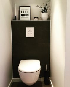 toilet ideas for the smallest room in the house!Toilet ideas - for the smallest room in the house - Wuellen Weld ideas bathroom Scandinavian toilets for 2019 Dark natural toilet - dark Small Toilet Room, Guest Toilet, Downstairs Toilet, New Toilet, Scandinavian Toilets, Scandinavian Bathroom, Scandinavian Style, Small Bathroom Tiles, Bathroom Layout