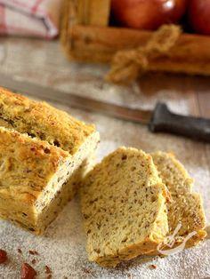 Il Plumcake alle mele e nocciole è un dolce che ha il gusto delle torte semplici e casalinghe che preparava la nonna! Per riscoprire sapori di una volta!