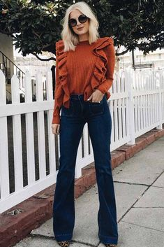 Find Out Where To Get The sweater Source by jeans outfit Flare Jeans Outfit, Jeans Outfit Winter, Fall Winter Outfits, Fall Fashion Outfits, Winter Fashion, Casual Outfits, Cute Outfits, Fashion 2017, Looks Chic