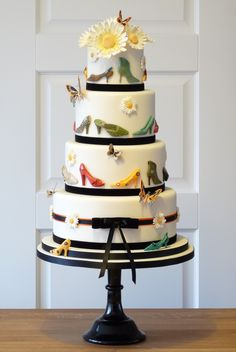It's a SHOE cake!!!