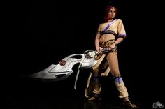 Videogame: Heavenly Sword  Character: Nariko. Cosplayer: Lexi Farron Strife 'aka' QueenOfMangas. From: France. Photo: A. Reno, 2012.