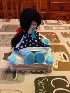 Joyero con muñeca