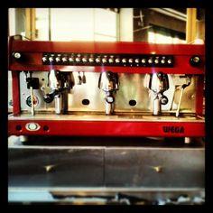 Έτοιμοι για τον καλύτερο καφέ της πόλης... #comunale #Italian_touch#espresso #cafe