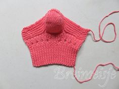 Babysokjes breien foto 13 Crochet Top, Crochet Hats, Baby Boots, Happy Baby, Women, Van, Fashion, Tricot, Characters