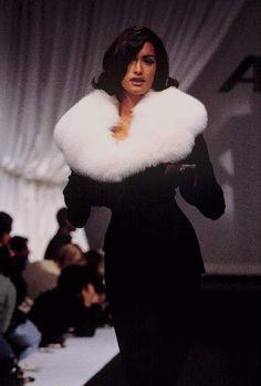 Beauty And Fashion 2000s Fashion, High Fashion, Fashion Show, Fashion Outfits, Fashion Design, Vintage Couture, Vintage Fashion, Couture Fashion, Runway Fashion