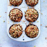 Muffins à la citrouille et à l'avoine - Croustillants à l'extérieur, moelleux à l'intérieur, ces muffins sont irrésistibles servis tièdes à l'heure de la collation.