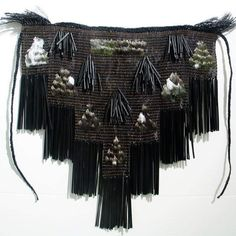 Muka and copper wire with feathers by Fiona Collis part of the Jack Richards collection Flax Weaving, Hand Weaving, Textile Prints, Textile Art, Maori Designs, Creative Textiles, Weaving Designs, Maori Art, Found Art