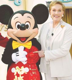 smiles from Julie Andrews and Mickey Mouse, Tournament of Roses Parade 2004