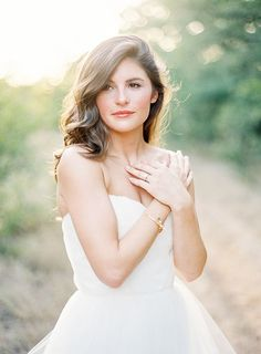 Coiffure mariage : Earthy Organic Bridal Session | Wedding Sparrow