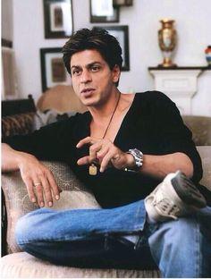 Truly a gentleman. Shahrukh Khan And Kajol, Salman Khan, Bollywood Stars, Indian Men Fashion, Sr K, Star Wars, King Of Hearts, Film Industry, Bollywood Celebrities