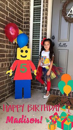 Deco Ideas for Lego Birthday Parties. Ideas for Kids Birthday - Lego geburtstagsparty - Birthday Decoration Lego Themed Party, Lego Birthday Party, 6th Birthday Parties, 4th Birthday, Lego Parties, Birthday Ideas, Lego Birthday Banner, Lego Ninjago, Ninjago Party