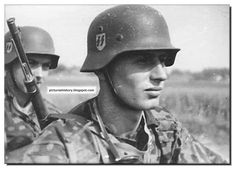 HISTORY IN PICTURES: BE THERE: Images Of War, History , WW2 : WAFFEN SS IN ACTION: Rare, Unseen Pictures: Part 1 (LARGE IMAGES)