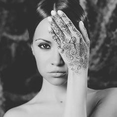PHOTOGRAPHY: Woman | #woman #henna