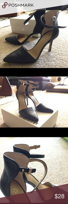 Brand new Ann Taylor Sz 6 Navy Blue Strappy Heels Brand new never worn size 6M Ann Taylor high heels. Genuine leather upper in a dark muted navy blue color. Great for both work and going out! True to size. Ann Taylor Shoes Heels