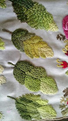 herminehesse: Interesting - same leaf with different types of embroidery stitches Types Of Embroidery, Embroidery Needles, Crewel Embroidery, Embroidery Applique, Beaded Embroidery, Cross Stitch Embroidery, Embroidery Patterns, Embroidered Leaves, Brazilian Embroidery