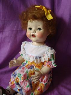 VINTAGE HARD PLASTIC DOLL 21  PEDIGREE WALKER: SARAN HAIR