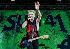 Deryck Whibley, Sum 41, Music Photographer, Concert Photography, Death Metal, Going Crazy, Quebec, Music Bands, Live Music