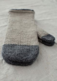 girlhandknits mittens in merion and angora