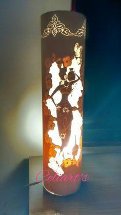 Luminária em pvc africana Dremel Projects, Pvc Projects, Pipe Lighting, Lighting Design, Pvc Pipe Crafts, Diy And Crafts, Kirigami, Laser Cut Metal, Pipe Lamp
