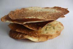 Crispy spanish flat bread Regañas - Pan chato crujiente Regañas http://decoraciondemabel.blogspot.com.es/2013/05/reganas-pan-plano-crocante.html