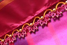Simple pattu and silk saree kuchu design - Indian Fashion Ideas Saree Kuchu New Designs, Saree Tassels Designs, Silk Saree Blouse Designs, Bridal Blouse Designs, Mehndi Designs, Tatting Jewelry, Designer Blouse Patterns, Tatting Patterns, Crochet Designs
